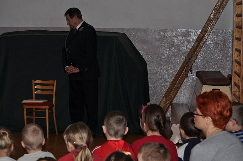 KL Daniel w Lesnie - Mysliwi dzieciom- Dobrzejewice 2012 12