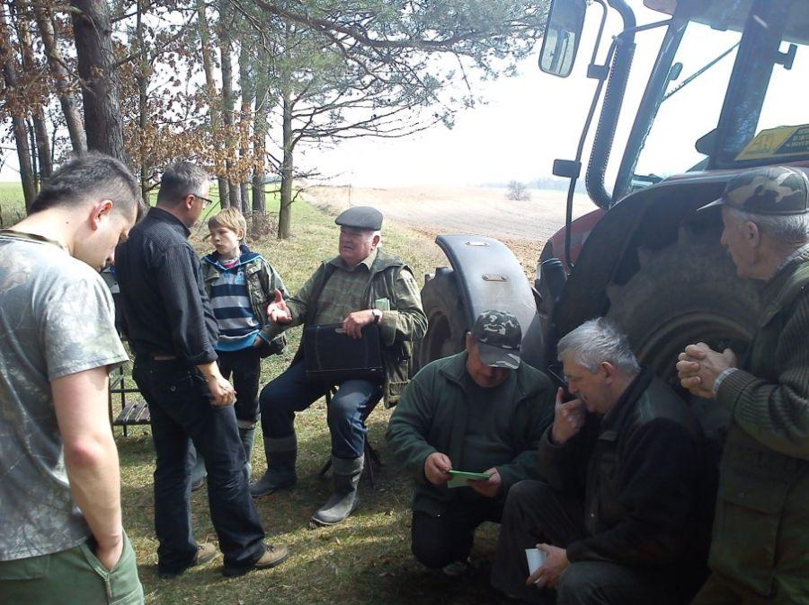 KL Daniel w Lesnie - Mysliwi dzieciom- Topinambur 2012 16