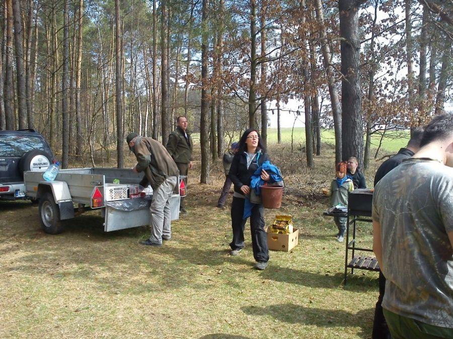 KL Daniel w Lesnie - Mysliwi dzieciom- Topinambur 2012 17