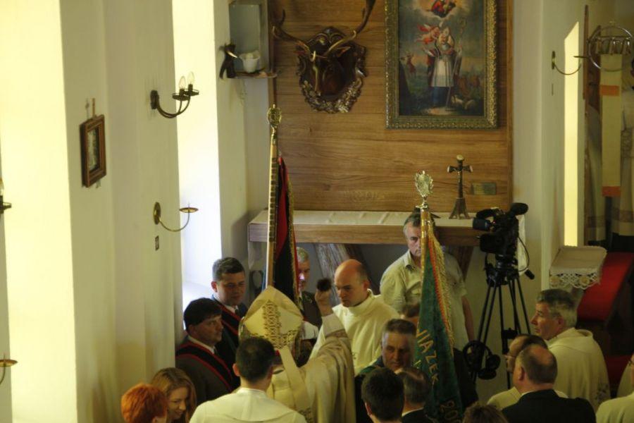 KL Daniel w Lesnie - Oltarz 2012 03
