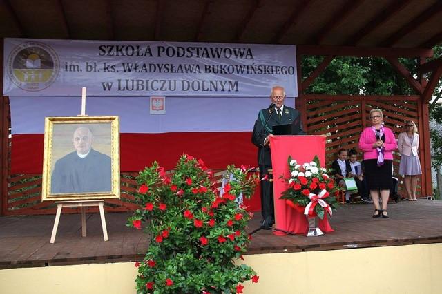 KL Daniel w Lesnie - Uroczystosc szkolna 2017-09 04