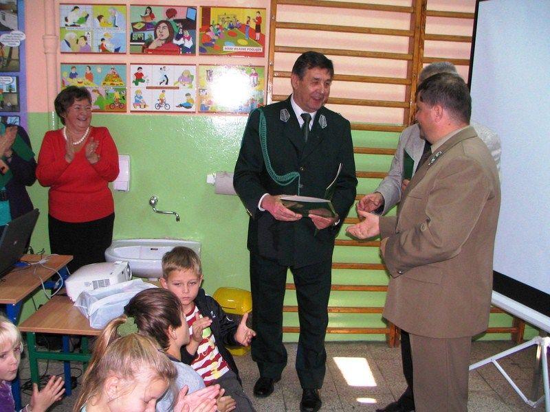 KL Daniel w Lesnie - Dzieci zwierzynie 2012-10 03