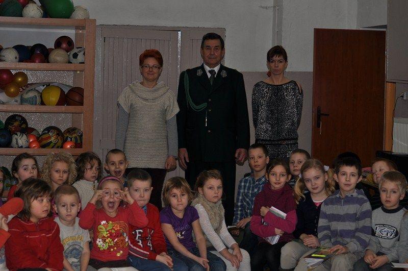 KL Daniel w Lesnie - Mysliwi dzieciom- Dobrzejewice 2012 02