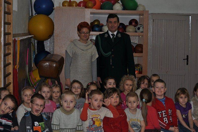 KL Daniel w Lesnie - Mysliwi dzieciom- Dobrzejewice 2012 03