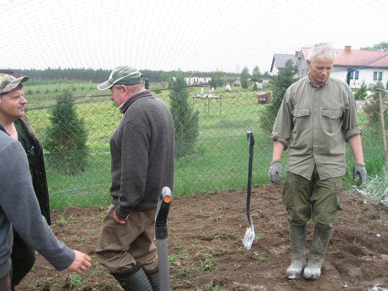 KL Daniel w Lesnie - Praca w wolierze 2013-05 04