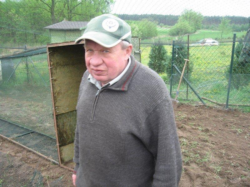 KL Daniel w Lesnie - Praca w wolierze 2013-05 05