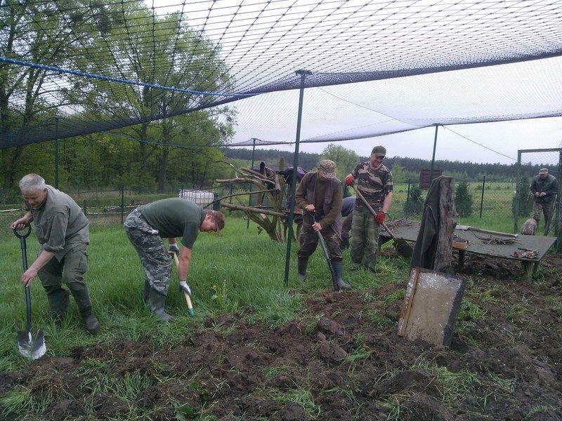 KL Daniel w Lesnie - Praca w wolierze 2013-05 16