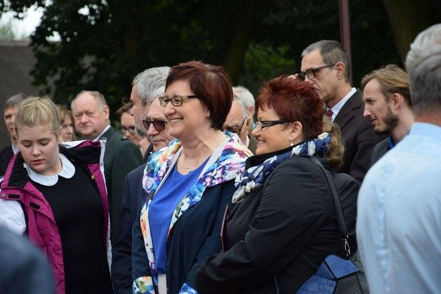 KL Daniel w Lesnie - Uroczystosc szkolna 2017-09 06